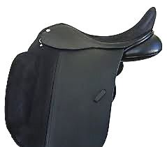 dressage saddles: huge knee blocks